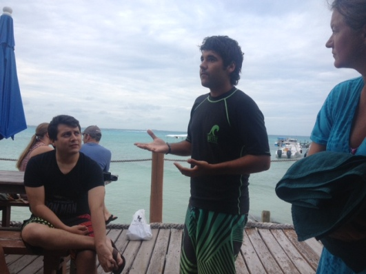 Santiago explains the three scenarios of the whale shark search.